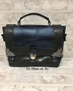 Dé Mains De Sev sur Instagram: J avais oublié les meilleures photos de mon sac tout pour moi que j adore!!! Total look cuir.. #lagarzarara #sacotin #sacamain #cuir…