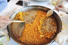 Looking for the best paella in Barcelona? You can't go wrong with these five places serving delicious and authentic paellas and rice dishes. Murcia, Tapas, Paella Valenciana, Seafood Paella, Mediterranean Dishes, First Bite, Great Restaurants, Rice Dishes, A Food