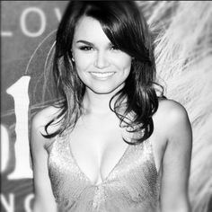 Samantha Barks (my next hair cut)