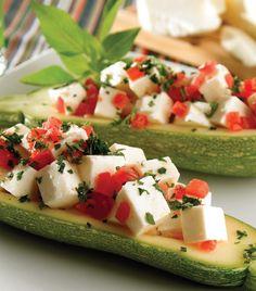 """""""Calabacitas con caprese mexicana"""" Healthy Recepies, Easy Healthy Recipes, Healthy Snacks, Easy Meals, Mexican Food Recipes, Real Food Recipes, Vegetarian Recipes, Cooking Recipes, Yummy Food"""