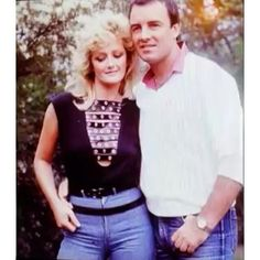 Bonnie and her husband Robert in 80s ♥ #bonnietyler #gaynorhopkins #gaynorsullivan #robertsullivan #love