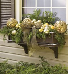Cheap and easy fall window boxes ideas 36 - Gardening Gazette Christmas Window Boxes, Winter Window Boxes, Christmas Planters, Christmas Porch, Noel Christmas, Outdoor Christmas Decorations, Holiday Decor, Box Decorations, Winter Christmas