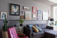 Decoração de: Sala de estar; sofá cinza; Casa de Valentina