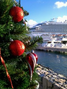 A Caribbean #Christmas- would LOVE to be on an island on Christmas Day!