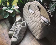 O Bag, Aga, Front Row, Louis Vuitton, Moon, Photo And Video, Sneakers, Shoes, Instagram