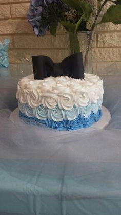 Baby boy shower cake Looks like my wedding cake!