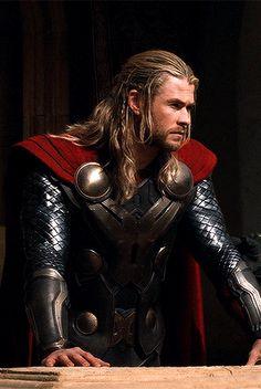 Photo Chris Hemsworth Thor, Best Duos, John Doe, Great King, The Dark World, Tom Holland, Summer Of Love, Tom Hiddleston, Marvel Avengers