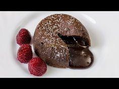 Lava cake / Chocolate Vulcan (CC Eng Sub) No Cook Desserts, Dessert Recipes, Diabetic Desserts, Healthy Desserts, Molten Lava Cakes, Chocolate Sweets, Romanian Food, Something Sweet, Sweet Recipes