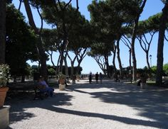 Savelli Park or Garden of the Oranges -On top of one of the most elegant hills of Rome, the ' Aventino , within the medieval walls, the remains of the ancient fortress of the Savelli family is Savelli Park (also known as the Orange Garden), small rectangular garden.