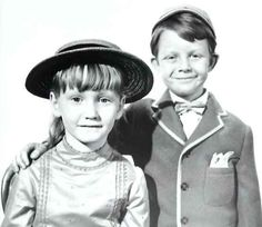 Karen Dotrice and Matthew Garber as Jane and Michael Banks in Mary Poppins (1964)