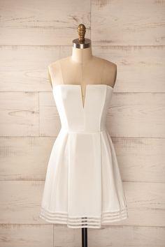 Robe trapèze plis bustier blanche bordure rayée - White a-line pleated striped trim strapless dress