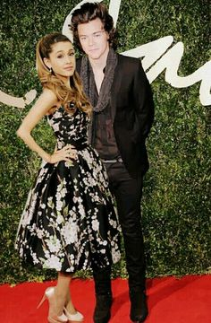 Harry Styles and Ariana Grande (credit to @jessicabelcourt)
