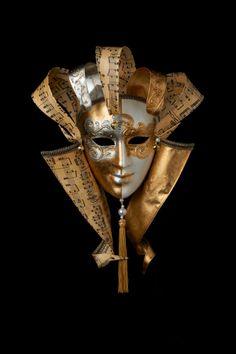 Musical Queen - Gold Venetian mask