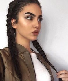 Beautiful hair styles, colors, and types Beauty Make-up, Beauty Hacks, Hair Beauty, Luxury Beauty, Actrices Sexy, Corte Y Color, Pretty Face, Hair Inspo, Makeup Inspiration