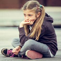"An anxious kid's days are dominated by tension and ""what if?"" thinking. Here's how to help a child who's struggling with an anxiety disorder. #TeenAndChildAnxiety"