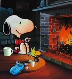 Snoopy and woodstock roasting marshmallows snoops снупи, улыбка, рисунки. Snoopy Und Woodstock, Snoopy Love, Snoopy Videos, Good Morning Happy Saturday, Monday Morning, Charlie Brown Und Snoopy, Snoopy Pictures, Snoopy Wallpaper, Peanuts Christmas