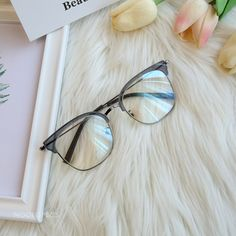 Exposure to blue light waves from your phone and computer is the main cause of eye strain and fatigue.Try these special glasses today. Cat Eye Sunglasses, Mirrored Sunglasses, Oversized Glasses, Heart Face, Computer Glasses, Light Works, Eye Strain, Black Star, Reading Glasses