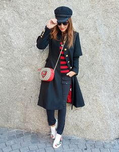Gucci Sneakers Outfit, Sneaker Outfits Women, Casual Winter Outfits, Fall Outfits, Fashion Outfits, Womens Fashion, Tenis Gucci, Black Skinny Pants, Fashion Sites