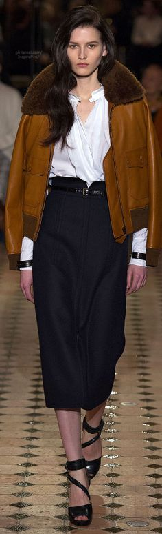 Hermès the skirt you would have the rest of your life. Love how it's styled. Effortless.