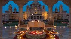 Le Rajasthan est l'endroit de rêve pour les lunes de miel ; il vous offre un cadre paradisiaque avec ses forts et ses palais ornés et décorés qui vous permettront de vivre un séjour inoubliable.