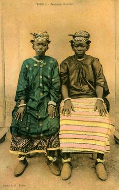"Africa | ""Femmes Ouolofs"".  Thiès, Senegal  || Vintage postcard; Cliché E.H. Thiès"