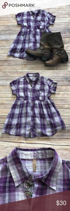 """🎉Flash Sale🎉Free People plaid button down Free People plaid button down in EUC. This has a drawstring in back to give a more feminine shape. Measures 26"""" in length. Make an offer or bundle and save! Free People Tops Button Down Shirts"""
