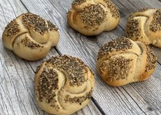 Saisonale Rezepte - Backen mit Christina Bagel, Bread, Pastries Recipes, Finger Food Recipes, New Recipes, Baking Tips, Brot, Baking, Breads