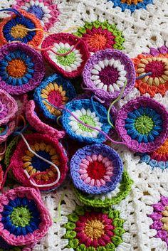 sunburst granny squares...love the colors!! :)