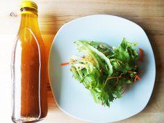 Em vez de comprarem molhos ou temperos para a salada já feitos, porque não fazem o vosso? Podem fazer numa quantidade maior e ter sempre à mão no frigorifico pronto a usar e ainda poupam dinheiro. …