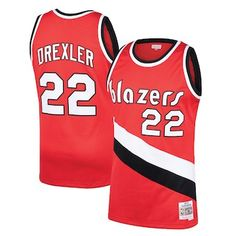 d842bd5cf180 Sport a little throwback spirit in this Portland Trail Blazers Clyde  Drexler Hardwood Classics Swingman jersey from Mitchell   Ness.
