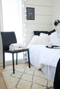 Beni Ouarain on täällä! Modern Farmhouse, Contemporary, Interior Design, Bedroom, Inspiration, Furniture, Bedtime, Finland, Home Decor