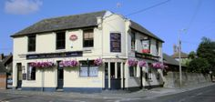 THE MARKET INN Live music Friday evenings and Sunday afternoons in what is probably the town's biggest pub venue.