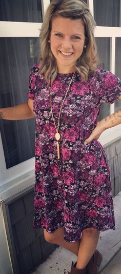 The LuLaRoe Carly is a swing dress which flatters a women's best features. It's also so comfy it feels like you are wearing your pajamas. Winner! Join our Facebook group for outfit ideas and to purchase styles like these. https://www.facebook.com/groups/LuLaRoeLiliesShoppe