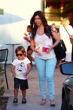 Kourtney-Kardashian-Mason-Dash-Disick-Menchies-Yogurt-Calabasas-082412-019-481x721
