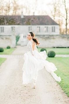 French Garden Wedding Inspiration at Château de la Villette. This beautiful wedding dress with long sleeves and embroidered detail. I love the off white color and plunging back. The crown and simple bridal hair and makeup complete the look Plain Wedding Dress, Romantic Wedding Hair, Ethereal Wedding, French Wedding, Wedding Bride, Wedding Dresses, Wedding Stuff, European Wedding, Timeless Wedding