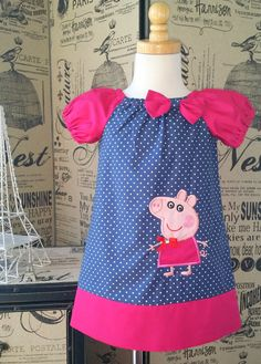 He encontrado este interesante anuncio de Etsy en https://www.etsy.com/es/listing/198918390/very-cute-pig-peasant-dress-with