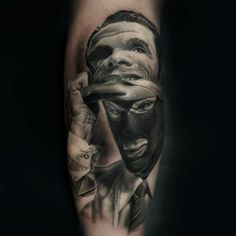 Whether in color or black-and-grey, Iwan Yug is able to create eye-catching photorealist #tattoos for his clients. http://illusion.scene360.com/art/72609/iwan-yug-tattoos/