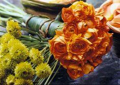 4 Step Guide to Jewish Wedding Flowers, Orange Bridal Bouquet by Jazzflower - mazelmoments.com