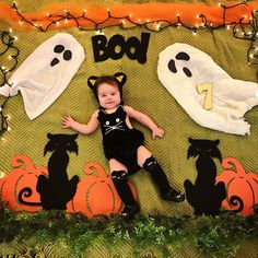 Baby Photo Inspiration Archives - The Sweet Mama Life Halloween Baby Pictures, Halloween Bebes, Baby Boy Halloween, Baby Girl Photography, Maternity Photography, Cute Baby Girl Images, Monthly Baby Photos, Baby Month By Month, Baby Ideas