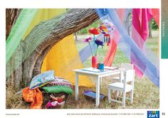 Inviting outdoor play space. For more inspiring environments visit: http://pinterest.com/kinderooacademy/provocations-inspiring-classrooms/ ≈ ≈