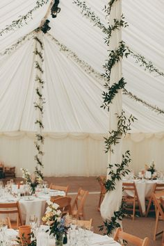 willowby watters english garden party wedding 17