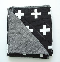 This modern baby quilt is made to order. Please allow 3-4 weeks for blanket to be made.  Size: baby 34 X 39 1/2 Toddler 40 X 54  Babies, so little