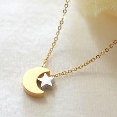 Crescent moon and tiny star necklace de Laonato por DaWanda.com