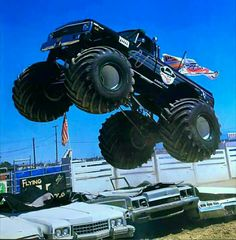 Clash Of The Titans, Real Monsters, Classic Monsters, Back In The Day, Old School, 4x4, Monster Trucks, Old Things, Vehicles