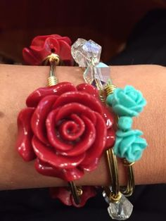 Large flower wire bangle- only $15. Super cute! handmade by #WineAndWires on Etsy