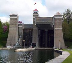 The Peterborough Lift Lock is a boat lift located on the Trent Canal in the city… Visit Canada, O Canada, Peterborough Ontario, Boat Lift, Historical Sites, Places Around The World, Places Ive Been, Beautiful Places, City