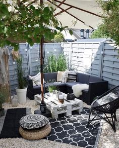 The post appeared first on Terrasse ideen. The post appeared first on Terrasse ideen. Outdoor Rooms, Outdoor Living, Outdoor Furniture Sets, Outdoor Decor, Furniture Ideas, Patio Lounge Furniture, Barbie Furniture, Furniture Layout, Cheap Furniture