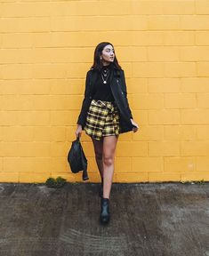 Feeling like a successful businesswoman in New York& fall and buying my coffee with this AMARO look is … Basic Outfits, Casual Outfits, Selfie Foto, Fake Girls, Selfie Poses, Foto Pose, Fashion Beauty, Womens Fashion, Julia