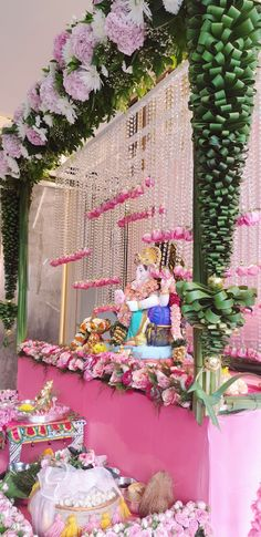 Ganesh Idol, Shree Ganesh, Flower Decorations, Floral Wreath, Wreaths, Flowers, Home Decor, Floral Decorations, Floral Crown
