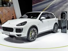 Porsche Cayenne S E-Hybrid, motoring review: Luxury performance cars vs polar bears isn't really a fair fight